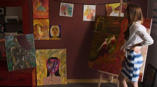 Utställning: Färger i form av kvinnor